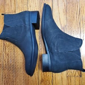 Nine West distressed black leather chelsea boots 8